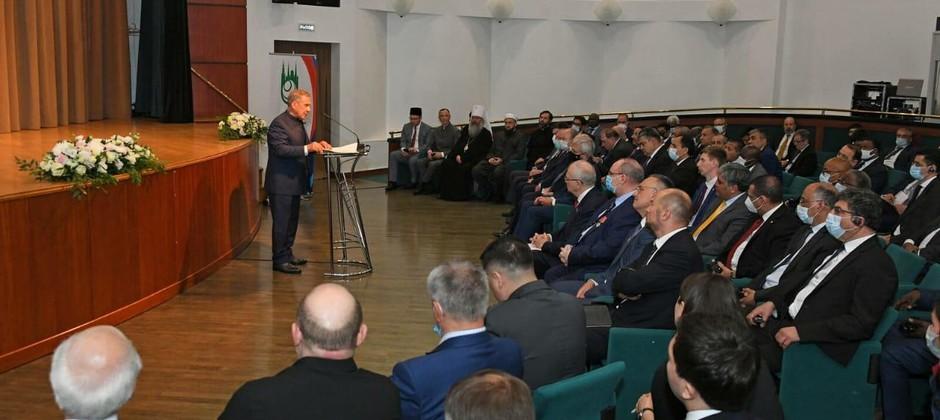 Айнур Тимерханов принял участие в информационной встрече Группы стратегического видения «Россия – Исламский мир» с послами стран ОИС