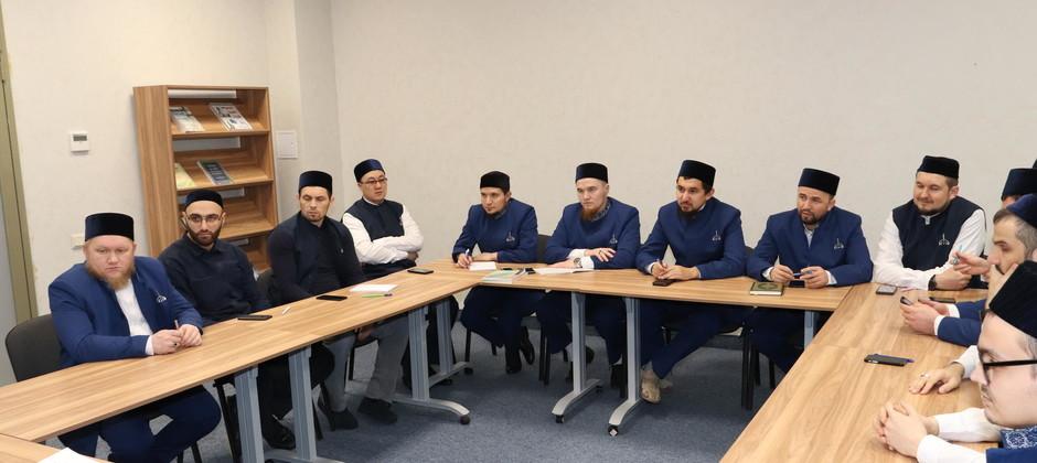 Обучающиеся Болгарской исламской академии обсудили актуальные вопросы межконфессионального диалога