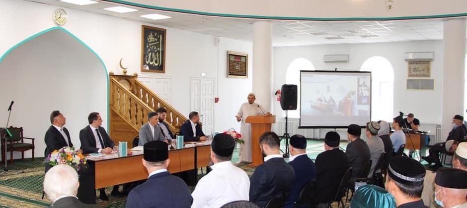 Презентация учебного пособия «Гражданская идентичность мусульман России» прошла в трех российских городах