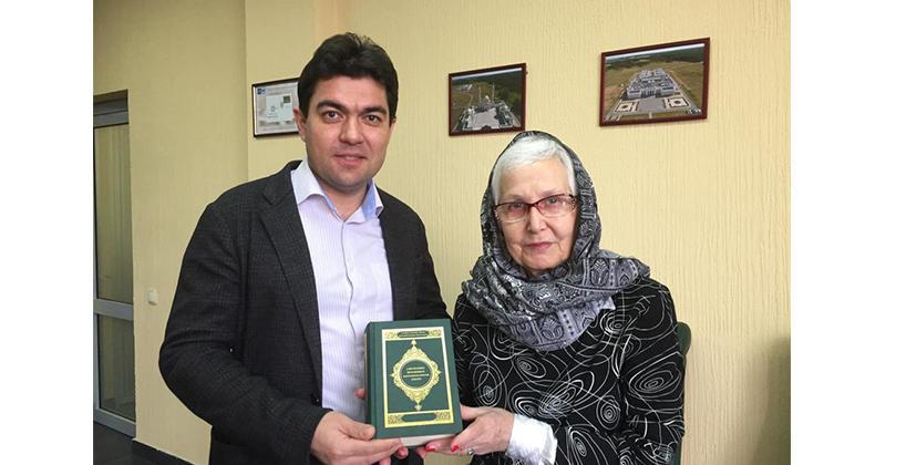 Библиотека БИА пополнилась Коранами на польском и венгерском языках
