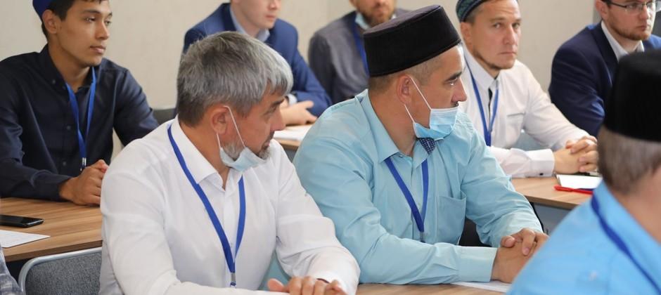 В Болгарской исламской академии продолжается реализация дополнительных профессиональных программ повышения квалификации