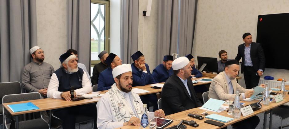 В Болгарской исламской академии прошел первый день защиты докторских диссертаций