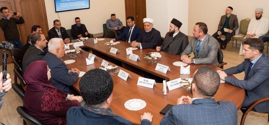 Профессор Болгарской исламской академии встретился с делегацией из Палестины