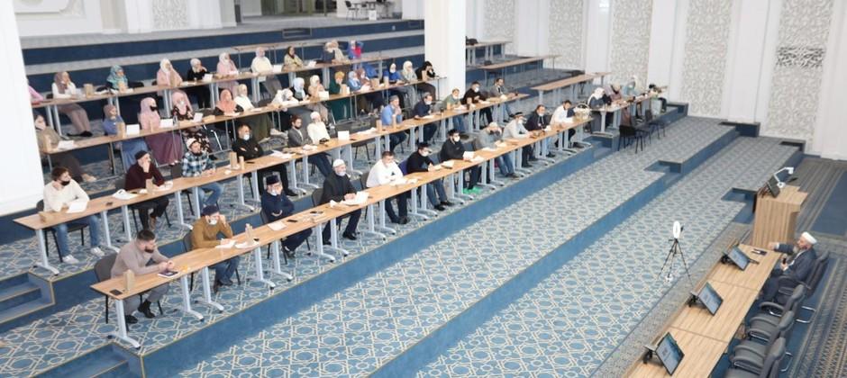 На базе Болгарской исламской академии начал свою работу форум «30/40»