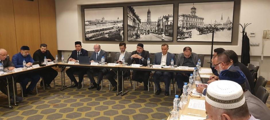 В Москве проходит заседание Совета по исламскому образованию