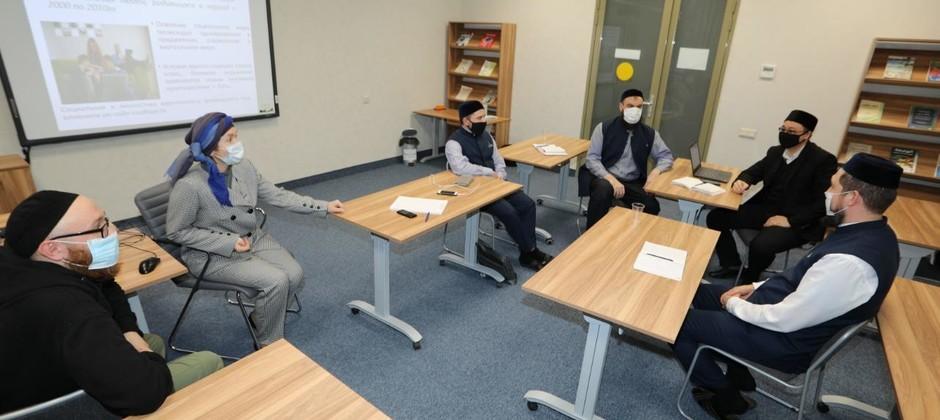 Магистранты Академии изучают психологические аспекты религиозно-просветительской деятельности