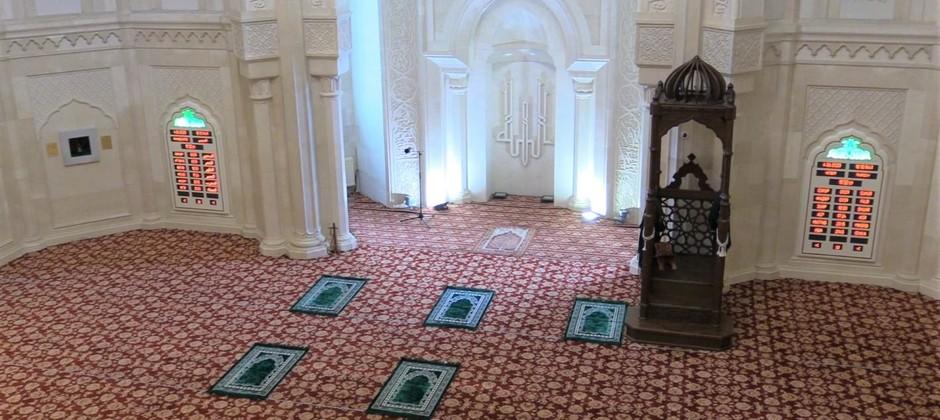 Белая мечеть возобновляет свою деятельность