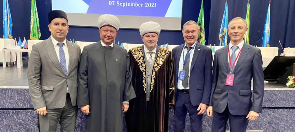Айнур Тимерханов принял участие в Петербургском международном религиозном форуме