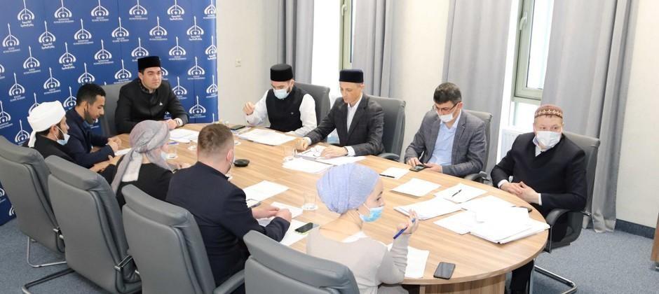 عقد مدير أكاديمية بلغار الإسلامية اجتماعا للمجلس الأكاديمي