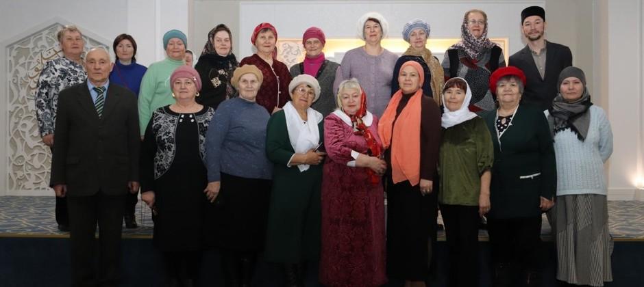 Болгарскую исламскую академию посетили участники клуба «Университет третьего возраста»